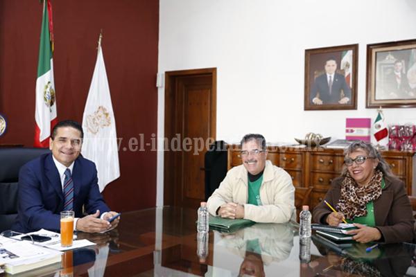 Dialoga Gobernador con líder del STASPE