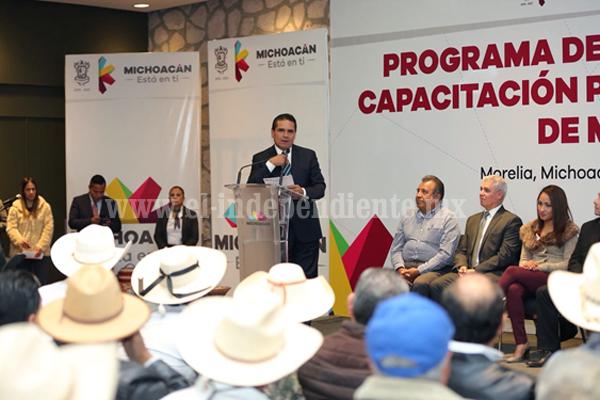 Anuncia Gobernador plan de desarrollo para el fortalecimiento del mezcal