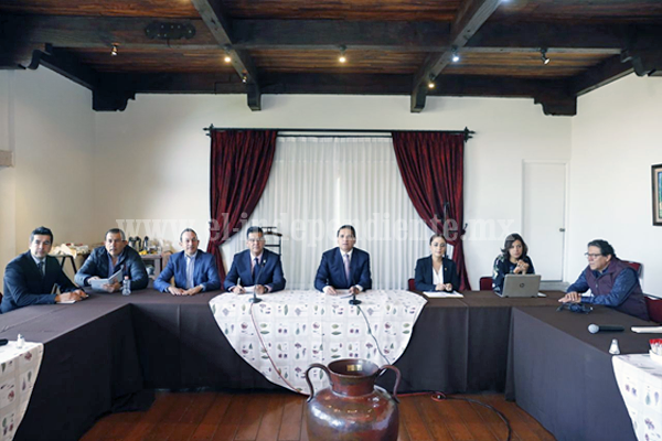 Revisa Gobernador agenda estratégica de Michoacán