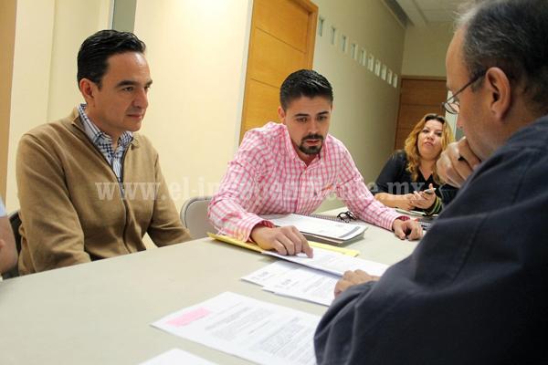 Carlos Soto presentó solicitud para registrarse como candidato independiente a la presidencia municipal de Zamora