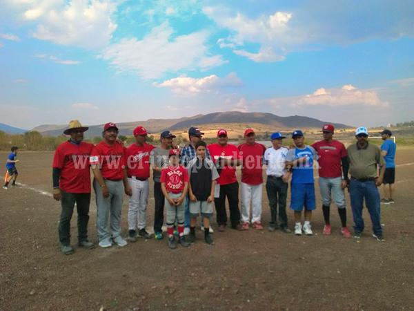 Rojos de Jacona se reporta listo para la Liga de Beisbol