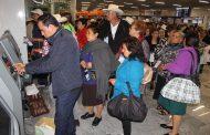 Adultos mayores de Ixtlán volaron para reunirse con sus hijos