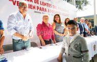 Casi 600 niños con problemas visuales recibieron lentes gratuitos
