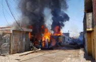 Se registra fuerte incendio de casas en Zamora