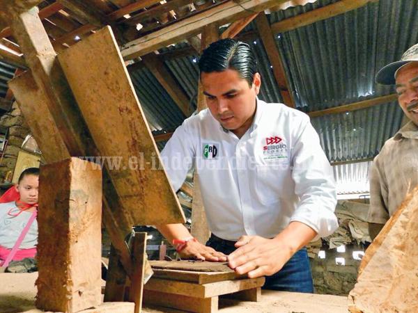 Compromiso de Sergio Flores incentivar el desarrollo económico de Zináparo