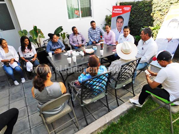 Atendió Sergio Flores propuestas de jóvenes ecuandurenses