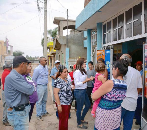 """""""Con satisfacción, gratitud y compromiso cumplimos 28 días de recorrer cada municipio del distrito"""": Eva María Pimentel"""