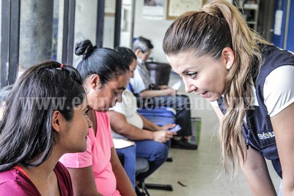 Necesarias nuevas políticas públicas para mejorar servicio en hospitales: Eréndira Castellanos