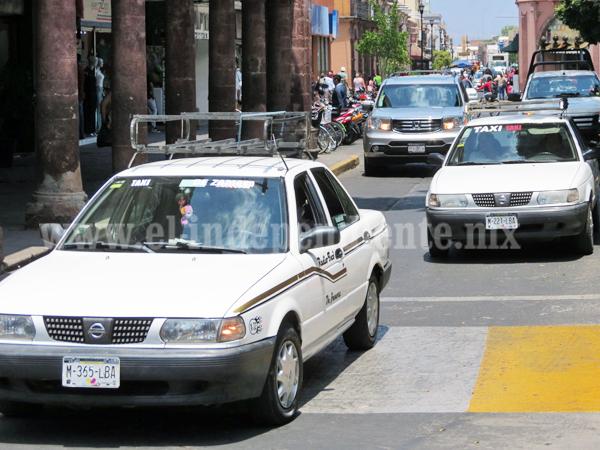 Denuncia de población, única vía para acabar con irregularidades de taxistas