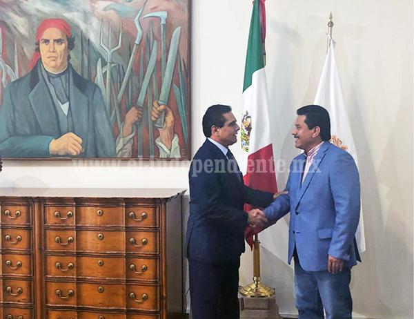 Se reúne Gobernador con diputado Roberto López García