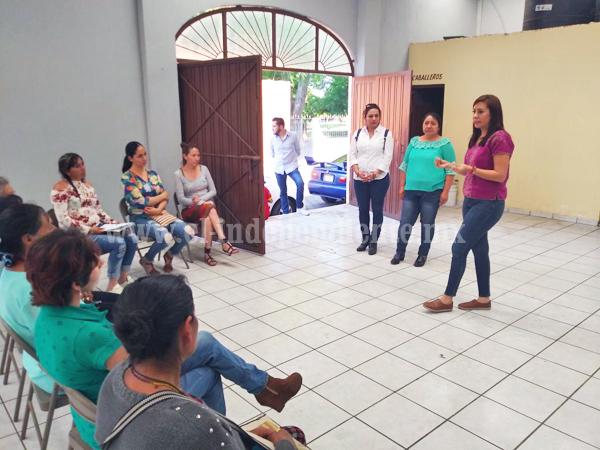 """""""Mujer merece atención y garantías por parte del gobierno"""": Eva María Pimentel"""
