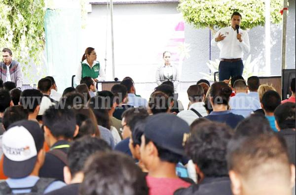 Con propuestas sólidas, destacó participación de Sergio Flores en foro del Tec Zamora