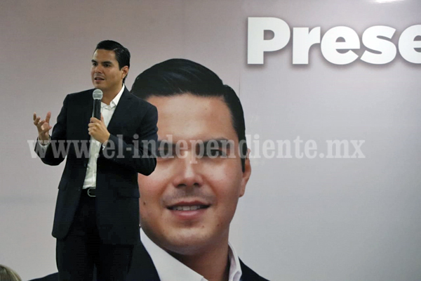 Respaldaron académicos y empresarios propuestas de Sergio Flores