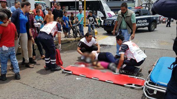 Fallece niña que fue atropellada por microbús en Zamora
