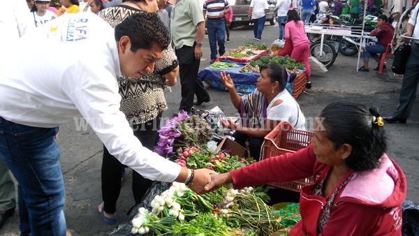 Comerciantes apoyan a Rafa Melgoza