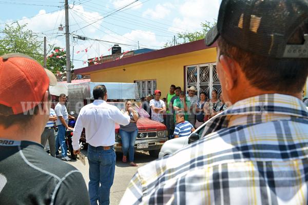 Martín Arredondo tuvo acercamiento con jóvenes y comerciantes