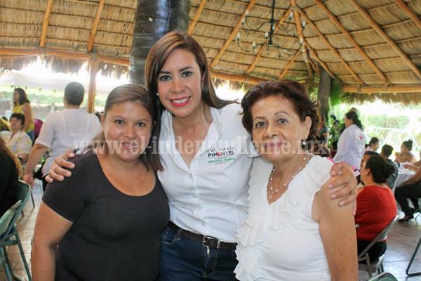 Presenta Eva María Pimentel propuestas para impulsar microempresas en séptimo distrito