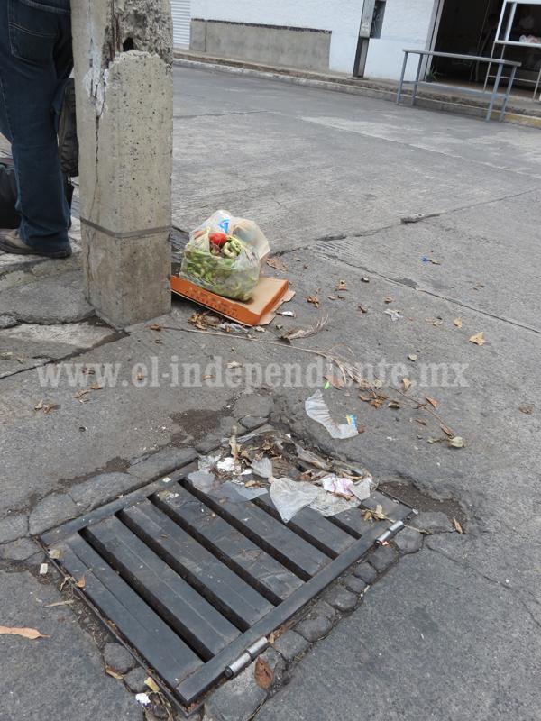 Primeros encharcamientos en zona urbana se generan por tapones de basura