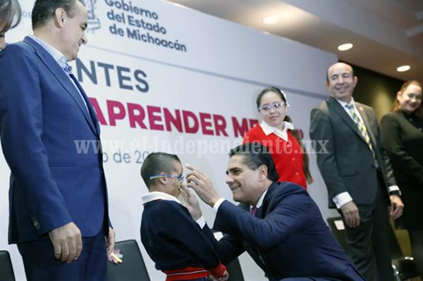 Avanzan indicadores educativos en Michoacán