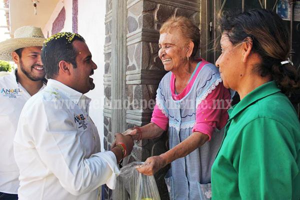 Ángel Macías cuenta con respaldo total de habitantes del Colongo y Rincón del Mezquite