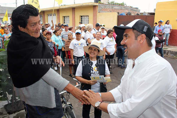 Una vez más población de Plaza del Limón demostró respaldo total a Ángel Macías