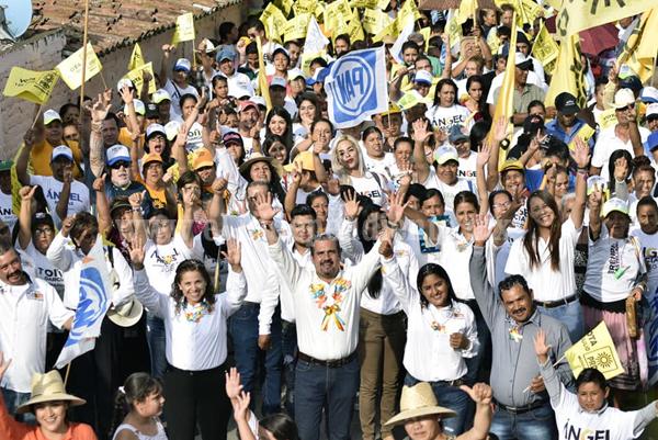 Ángel Macías cerró campaña en la comunidad El Colongo