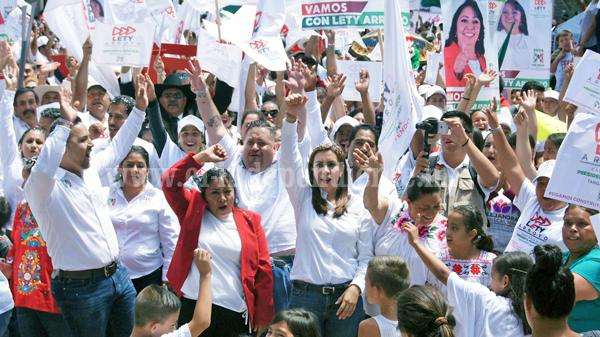 Llamó Eva María Pimentel a no volver a confiar en mismos políticos que han fallado