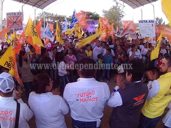 Vecinos de Montebello y Carlos Torres Piña, manifestaron su apoyo Guille Zaragoza