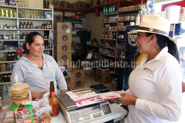 Reciben vecinos de Lomas Universidad con los brazos abiertos a Adriana