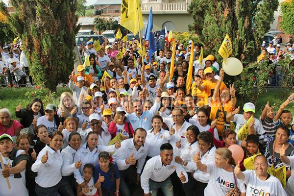 Ángel Macías cerró campaña en la comunidad El Valenciano