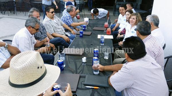 Mantiene Judith Acevedo reuniones con sectores productivos y prestadores de servicios
