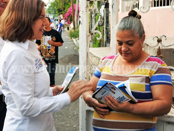 Compromiso de Judith Acevedo con las comunidades para mejorar servicios