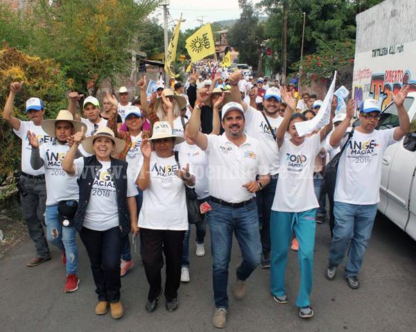 Habitantes de la comunidad El Limón demuestran su respaldo al proyecto de Ángel Macías