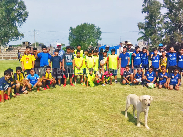 Realizan cuadrangular de futbol infantil en Santiaguillo