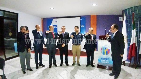 Tomó protesta mesa directiva del club rotario Zamora Industrial