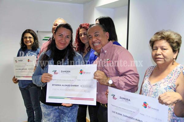 """Mujeres beneficiadas con el recurso del programa municipalizado """"Palabra de Mujer"""""""