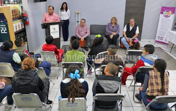 Grupo MERZA realiza entrega de redondeo a la presidenta del Sistema DIF Zamora