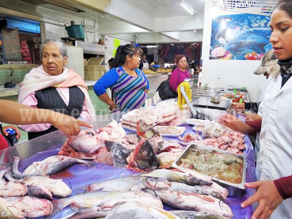 Cae la venta de peces y mariscos en zona del Mercado Hidalgo