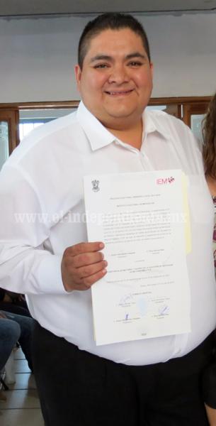 ARTURO HERNÁNDEZ RECIBIÓ CONSTANCIA DE MAYORÍA COMO DIPUTADO ELECTO DEL DISTRITO 7 LOCAL