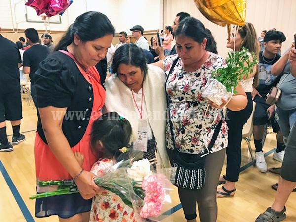 Logran 92 Palomas Mensajeras reencontrarse con sus seres queridos en Los Ángeles