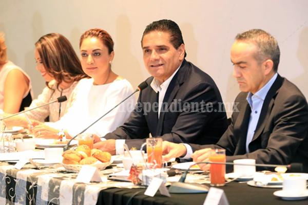 Llama Silvano Aureoles a la unidad por México