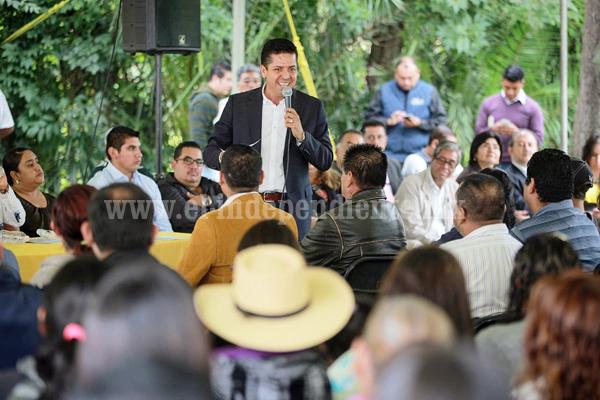 Toño García inició gira de trabajo por todo Michoacán