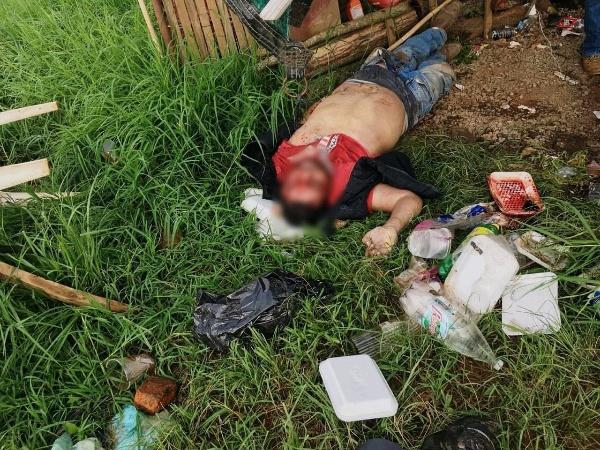 Hallan hombre asesinado en rancho de Tangancícuaro