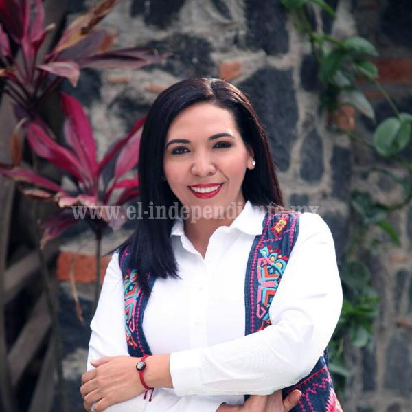 ALCALDESA ADRIANA CAMPOS HUIRACHE DARÁ SU PRIMER GRITO DE INDEPENDENCIA