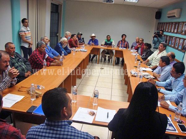 Autoridades y productores agropecuarios asumen compromiso de trabajo conjunto