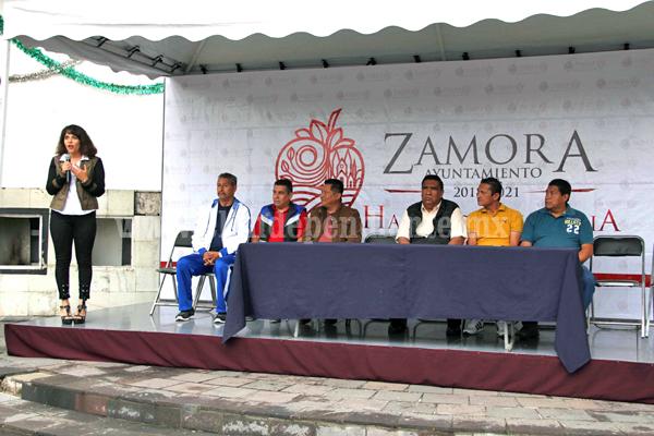 Autoridades Municipales presentes en la carrera conmemorativa del 40 Aniversario de la Secundaria número 2
