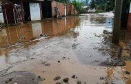 Se desborda el Río Duero en Chilchota, hay varias casas afectadas