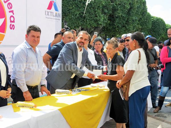 En Ixtlán facilitó a adultos mayores trámite de 60 visas americanas