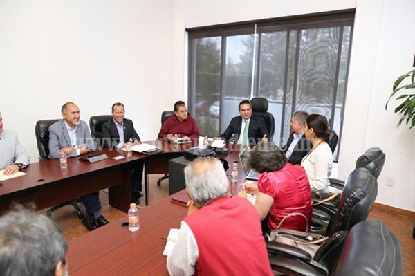 Revisa Gobernador proyectos de beneficio social con Antorcha Campesina