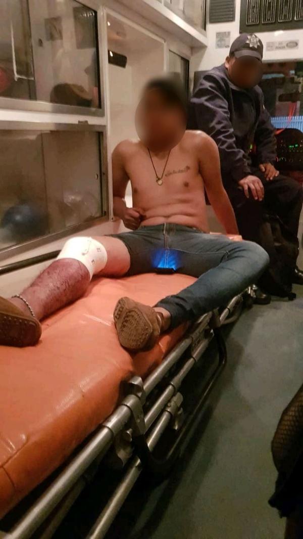 Muchacho recibe un balazo en una rodilla, en Jacona